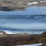 Litj- hiåsjøen 20. juni i år. Det er akkurat mulig å komme ut med båten!